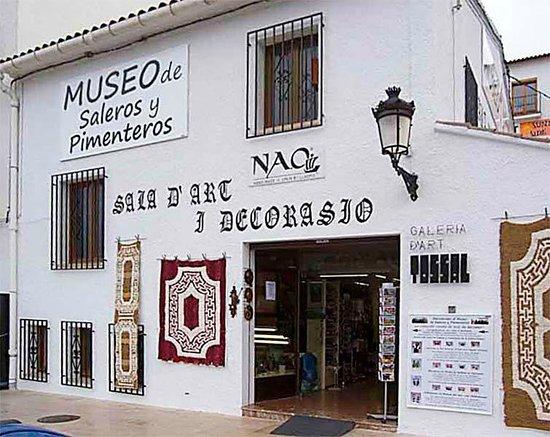 museo-de-saleros-y-pimenteros pix