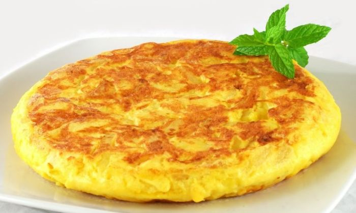 Spanish Omelette with Tosta de Jamon Serrano | Gran Alacant Advertiser